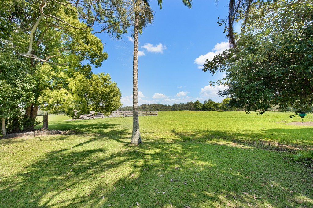 Set on acreage Anchor Lodge Port Macquarie