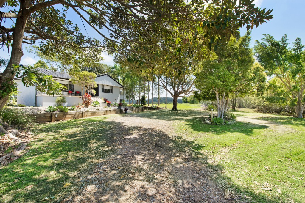 Enjoy the rural setting Anchor Lodge Port Macquarie