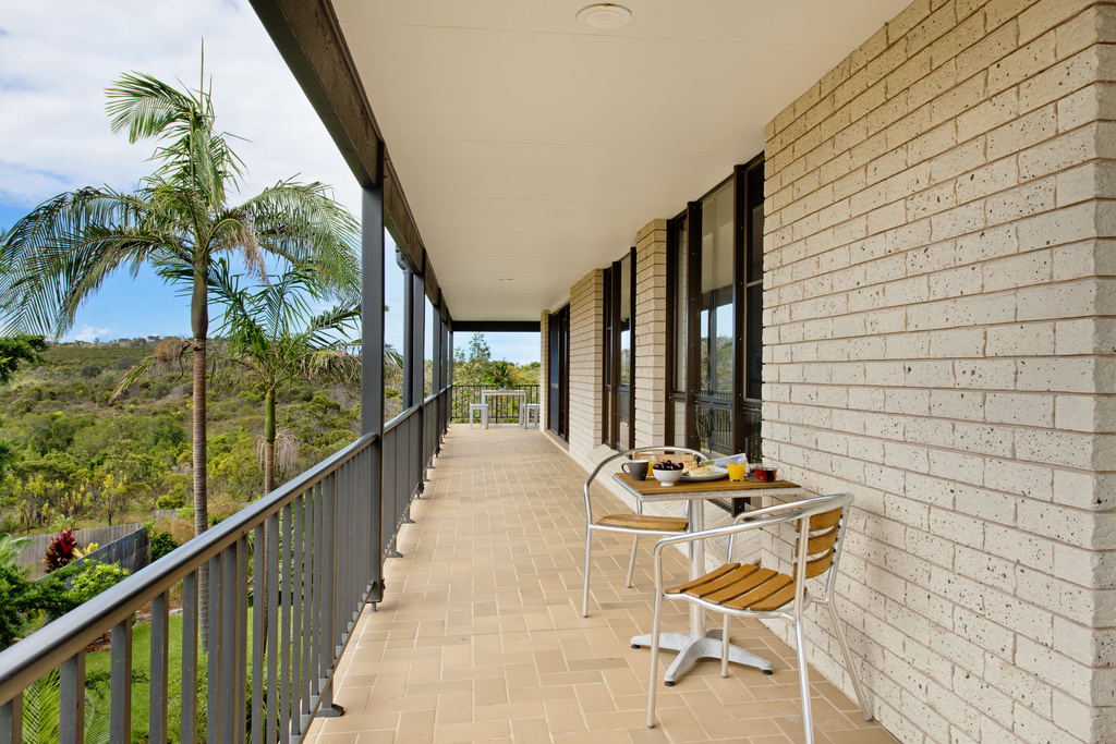 Wrap around verandah Apricari oasis by the sea Bonny Hills