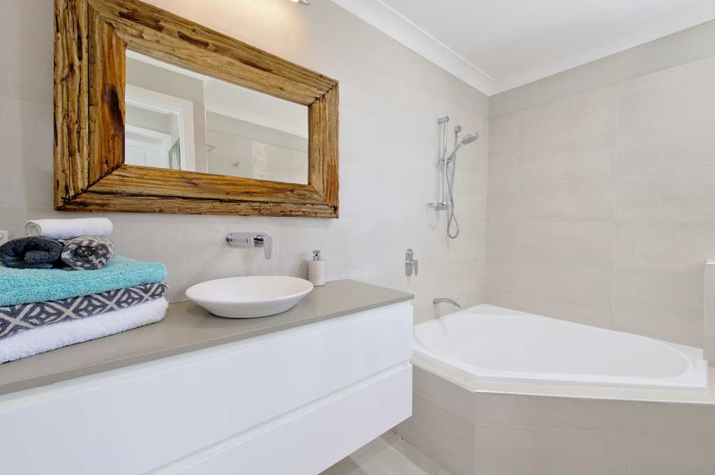 Main bathroom upstairs Apricari oasis by the sea Bonny Hills