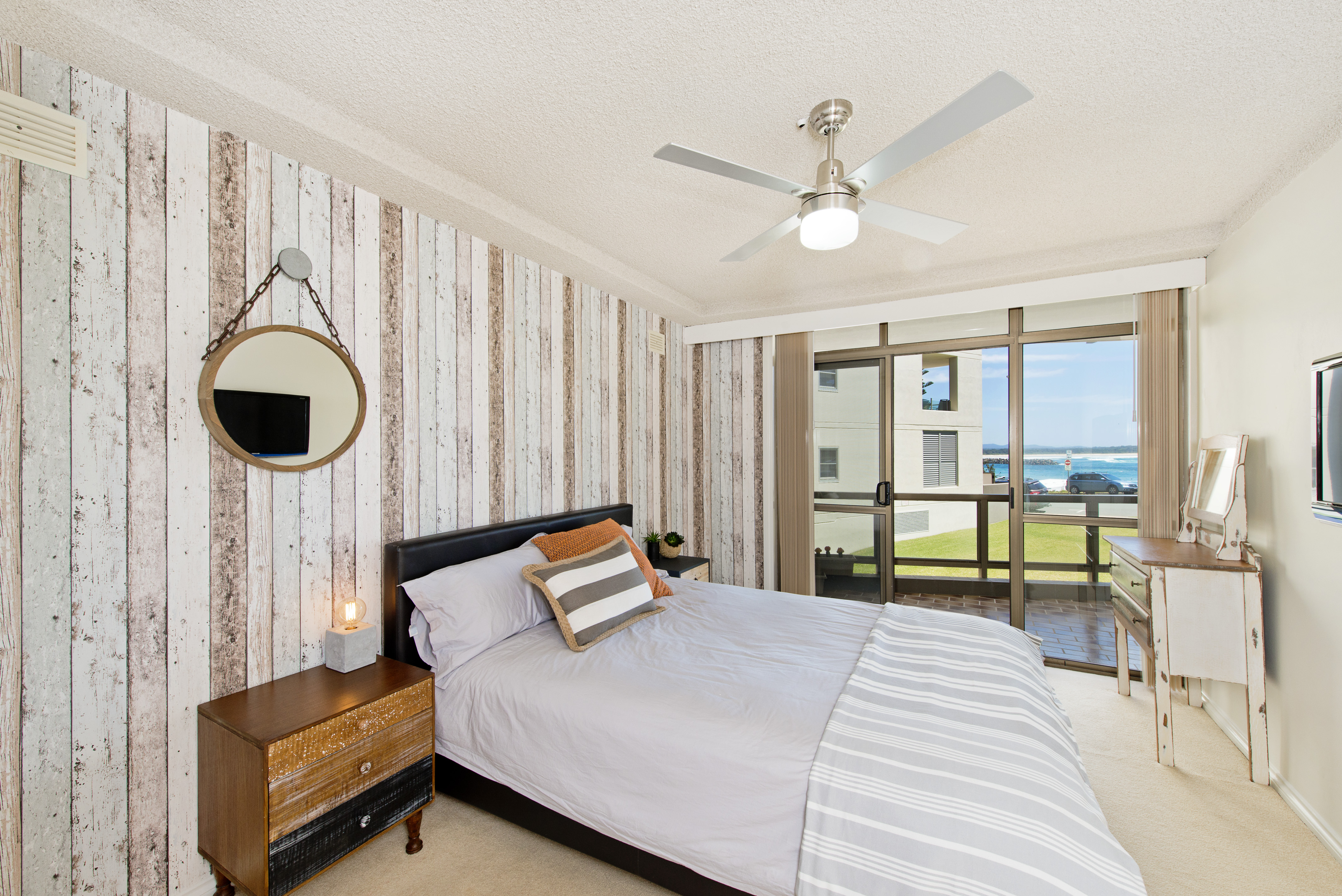Second bedroom with ocean views Beauty at the Beach Port Macquarie